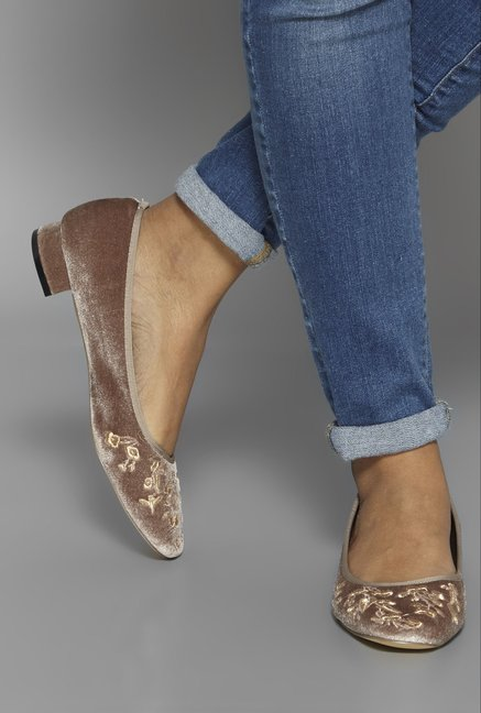 LUNA BLU by Westside Taupe Courts