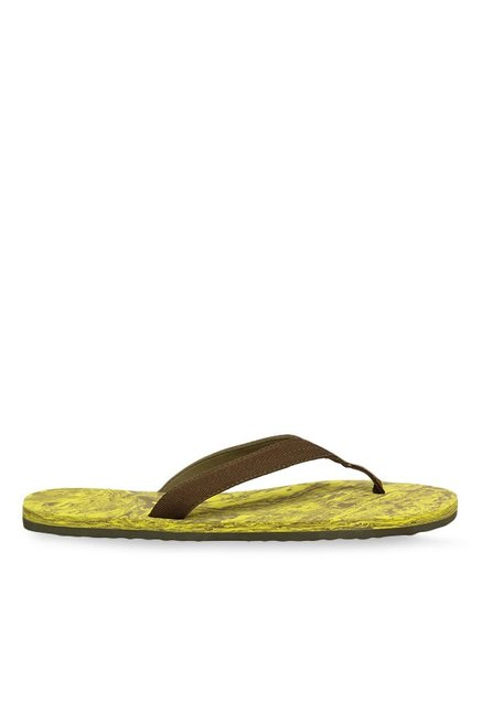 63479261a263 Buy Puma Epic V2 Marble Brown   Yellow Flip Flops for Men at Best ...