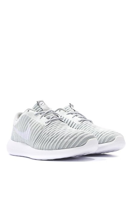 huge discount d3e83 02668 Nike Roshe Two Flyknit Light Grey Training Shoes