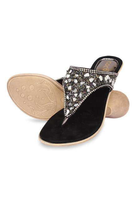 4f8108877 Buy Cocoon Black   White Thong Sandals for Women at Best Price ...