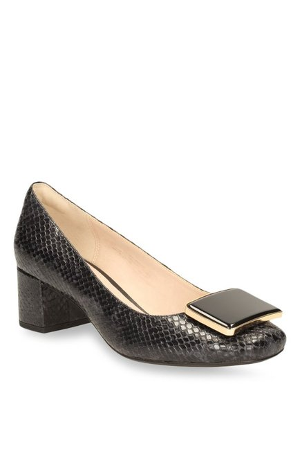 sobrino Aumentar Mansedumbre  Buy Clarks Chinaberry Fun Black Pumps for Women at Best Price @ Tata CLiQ