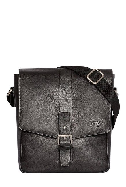 Quick Brown Fox Black Solid Leather Flap Sling Bag