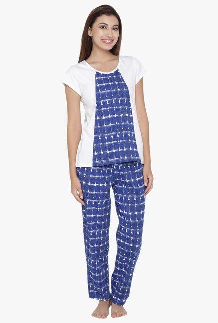 ef83dee0513 Buy Clovia White   Blue Printed Cotton Polyblend Pyjama Set for ...