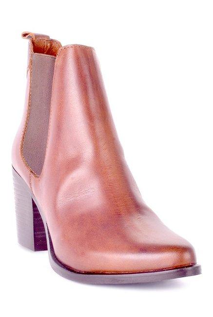 Buy Steve Madden Pistol Cognac Chelsea Boots for Women at Best Price   Tata  CLiQ 83e94b82ede