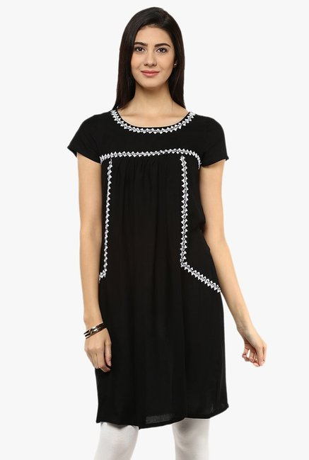 Avaana Black Embroidered Rayon Kurti