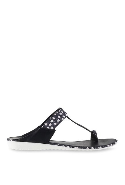 Metro Black & White Toe Ring Sandals