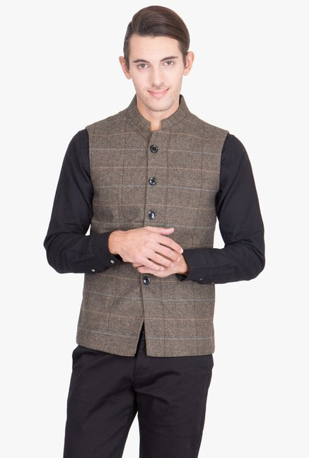 1d82cfb3c5feb Buy Red Tape Taupe Sleeveless Jacket for Men Online   Tata CLiQ
