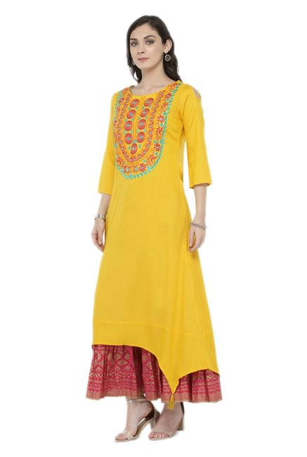 Varanga Yellow Embroidered Viscose & Rayon Kurta