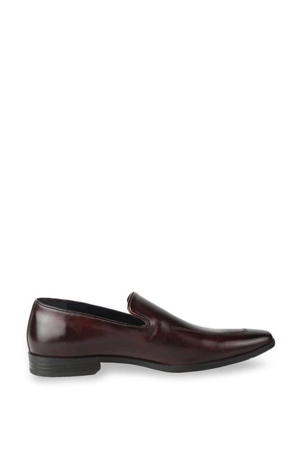 bb5ad789059 Buy Louis Philippe Maroon Formal Loafers for Men at Best Price   Tata CLiQ