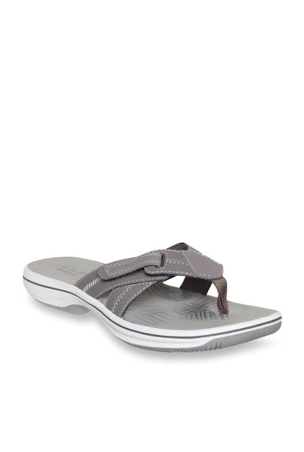 5429b5efae4 Buy Clarks Brinkley Calm Pewter Thong Sandals for Women at Best Price    Tata CLiQ