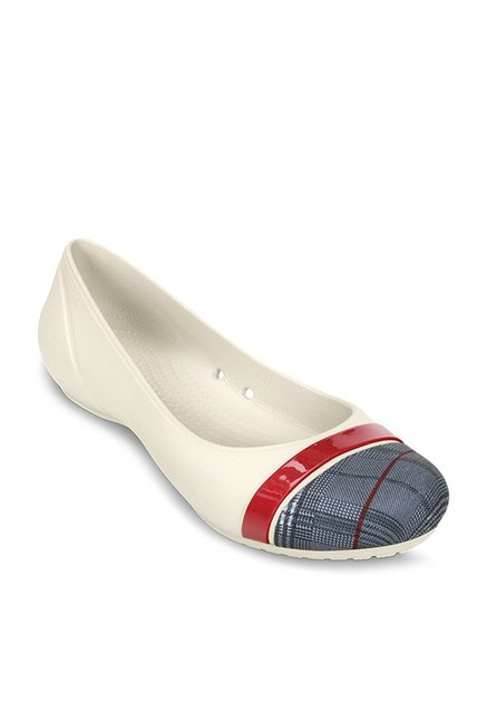 1db27006ca04 Buy Crocs Off-White   Black Flat Ballets for Women at Best Price ...