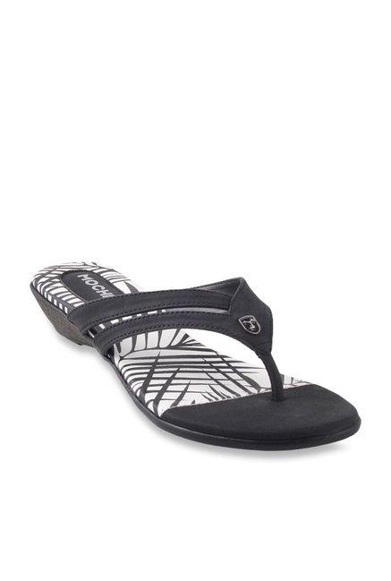 1831af16fde7e5 Buy Mochi Black Thong Sandals for Women at Best Price   Tata CLiQ