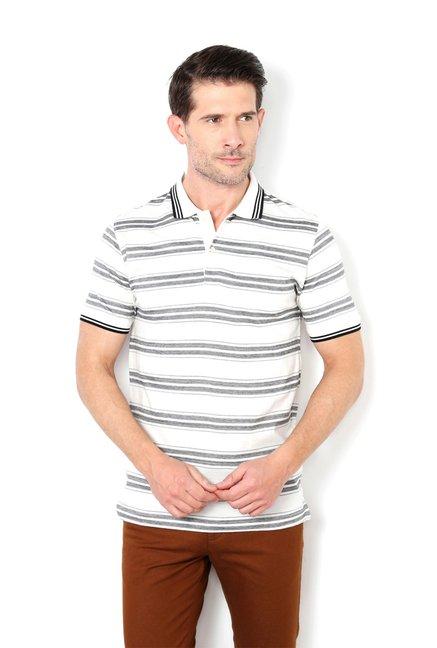 5d8a8f298 Buy Van Heusen White & Navy Half Sleeves Regular Fit T-Shirt for Men Online  @ Tata CLiQ