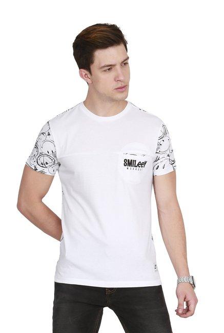 86180fa7 Buy Lee White Printed Slim Fit T-Shirt for Men Online @ Tata CLiQ