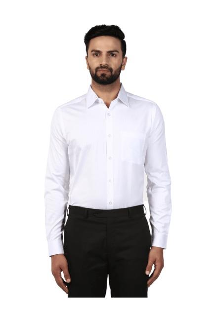Buy Raymond White Slim Fit Cotton Shirt for Men Online   Tata CLiQ 7f7b5b376