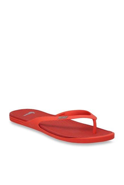 huge selection of 8b2ab 4c2c9 Buy Nike Matira Red Flip Flops for Men at Best Price @ Tata ...
