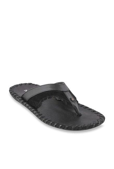 b37273930b47fe Buy Mochi Black Thong Sandals for Men at Best Price   Tata CLiQ
