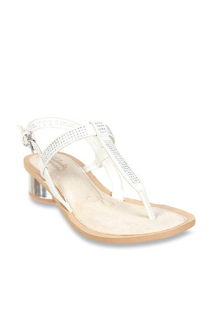 ed1832c1e Buy Clarks Sandcastle Top White T-Strap Sandals for Women at Best Price    Tata CLiQ