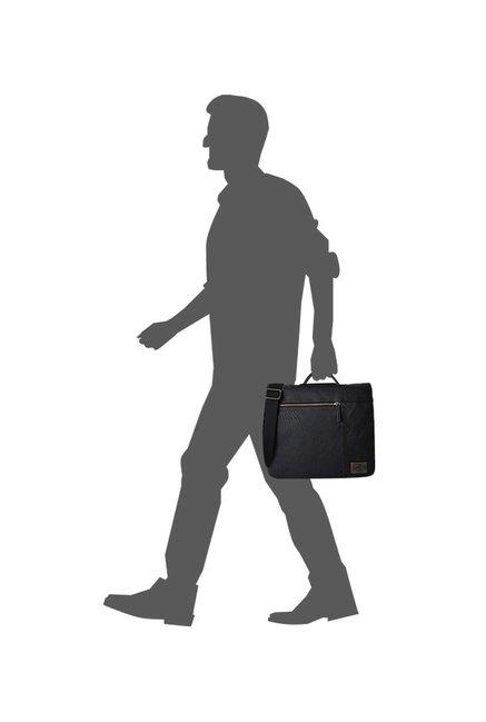 5e9bd24db7 Buy Baggit Gunther Bindas Black Solid Flap Messenger Bag For Men At ...