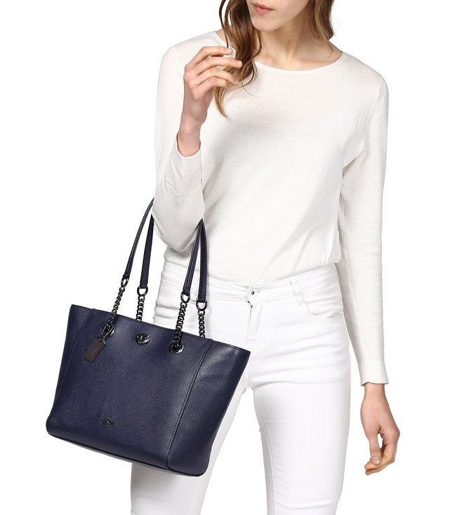 0650eeec235f Buy Coach Navy Polished Pebble Turnlock Chain Tote Bag for Women ...