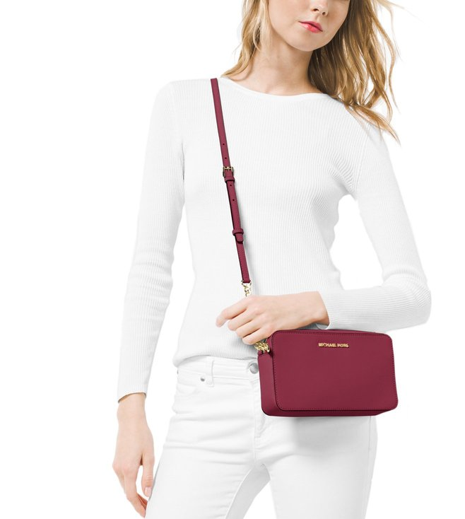 9dc310008e32 Buy Michael Michael Kors Jet Set Travel Mulberry Cross Body Bag for ...