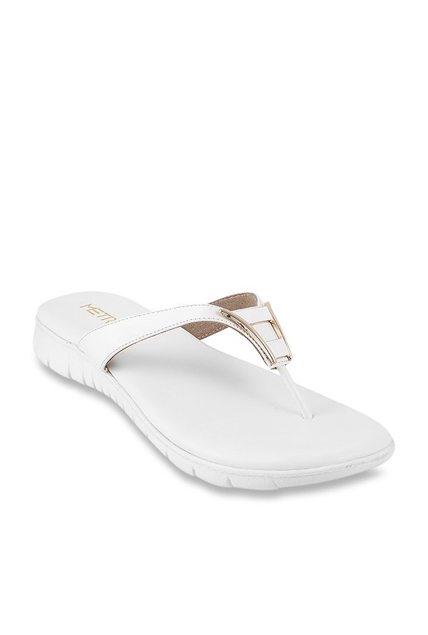 cbb02343d Buy Metro White Thong Sandals for Women at Best Price   Tata CLiQ