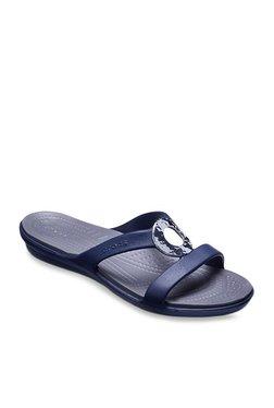 ca7b5516f0f2 Crocs Sanrah Hammered Met Coffee Flip Flops for women - Get stylish ...