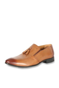 f6916f2689 Buy Van Heusen Formal - Upto 70% Off Online - TATA CLiQ