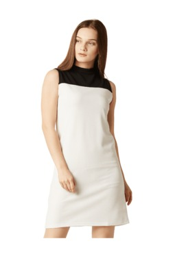 Miss Chase Cream & White Relaxed Fit Above Knee Dress
