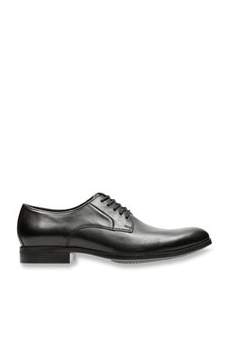 5428b37ce9b Clarks | Upto 60% OFF On Clarks Shoes Online At TATA CLiQ