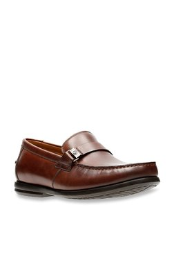 91223c09 Clarks | Upto 60% OFF On Clarks Shoes Online At TATA CLiQ