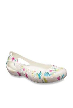 180cf359153 Buy Crocs Women - Upto 70% Off Online - TATA CLiQ