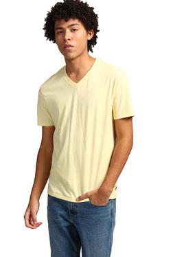 bdad0f8ffe2 Buy Levi's T-shirts & Polos - Upto 70% Off Online - TATA CLiQ