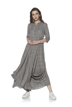 f3422260fc4182 Zudio Grey Sachi Draped Dress