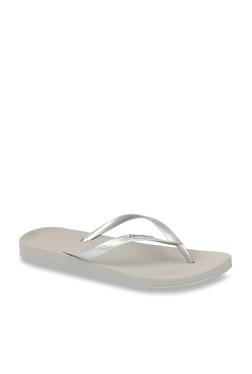 2448cddf770592 Ipanema Anatomic Fem Silver   Grey Flip Flops