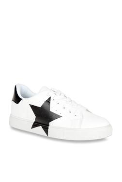 c49131a48106 Elle Black   White Sneakers
