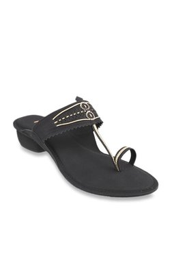 f3dbbb78c1c58f Mochi Black Toe Ring Sandals
