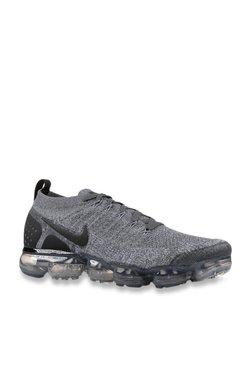 5684728f45094 Buy Nike Sneakers - Upto 50% Off Online - TATA CLiQ