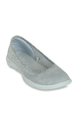 a222d8b6988e7 Buy Skechers Women - Upto 70% Off Online - TATA CLiQ