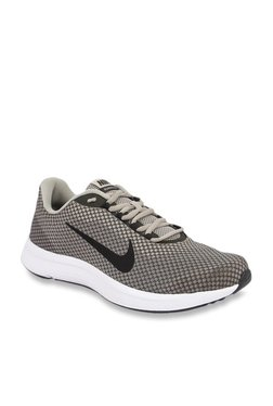 73dff2daa5b8 Nike Runallday Black Running Shoes for Men online in India at Best ...