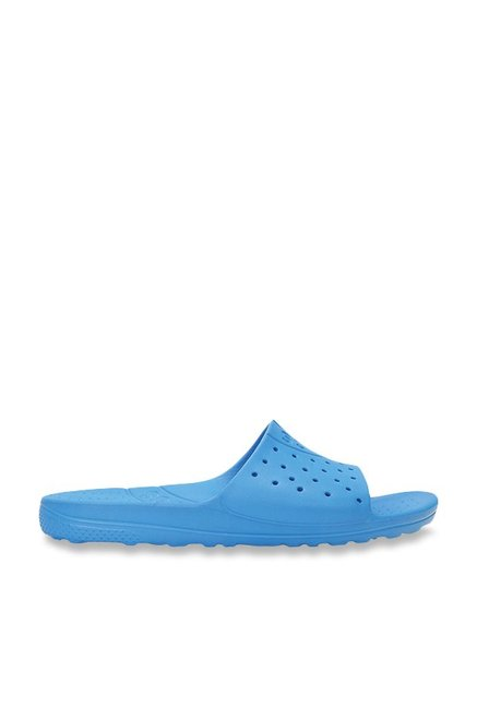 a81367111933 Buy Crocs Chawaii Ocean Flip Flops Online at best price at TataCLiQ