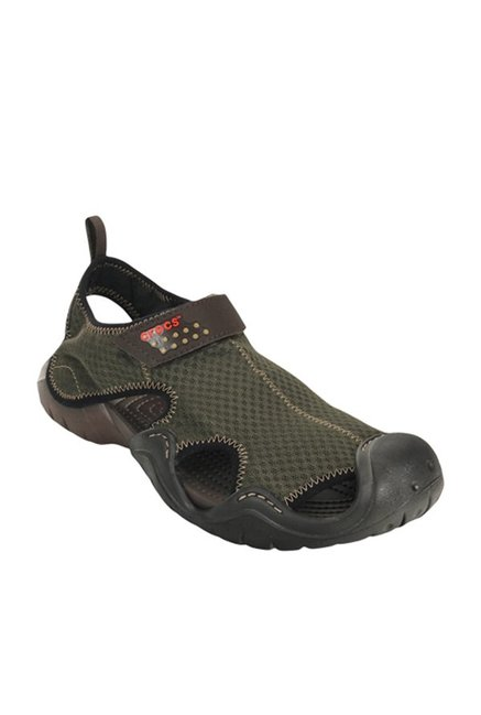 e9503d308401d Buy Crocs Swiftwater Green   Espresso Floater Sandals Online at best price  at TataCLiQ