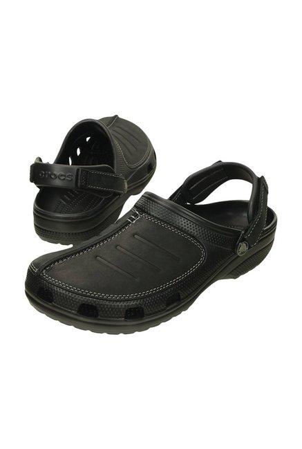 site réputé 4383b 5d7ee Buy Crocs Yukon Mesa Black Clogs Online at best price at ...