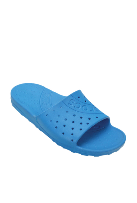 27aca3e5ba40 Buy Crocs Chawaii Ocean Blue Flip Flops Online at best price at TataCLiQ