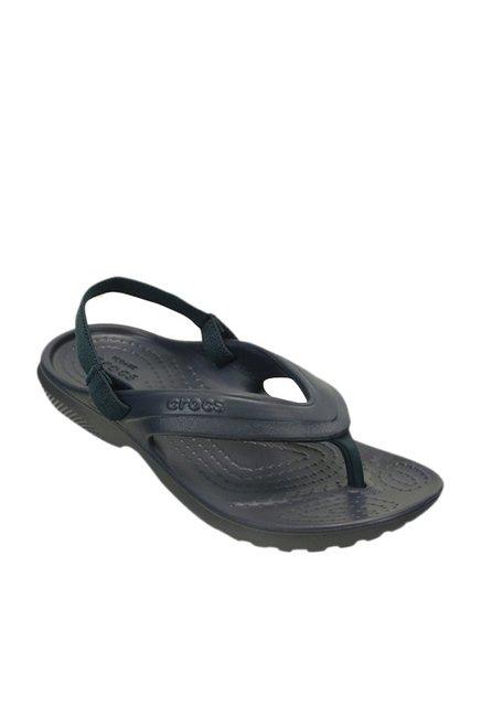b60c5806066d Buy Crocs Kids Classic Navy Back Strap Flip Flops for Boys at Best ...