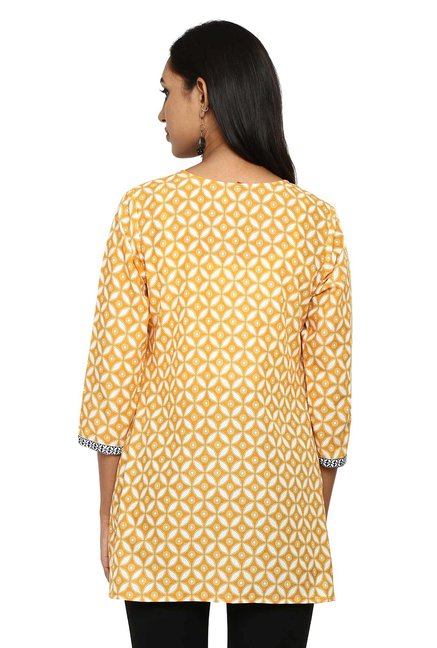 Aaboli Yellow Printed Cotton Straight Kurti