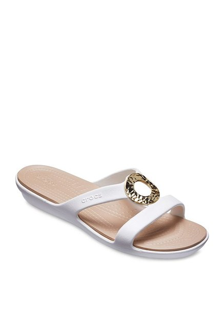 d86ee2d9c Buy Crocs Sanrah Hammered Met White Casual Sandals for Women at Best Price    Tata CLiQ