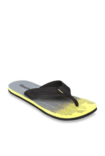 50ed5e903 Buy Reebok Possession IV LP Black   Grey Flip Flops for Men at Best ...