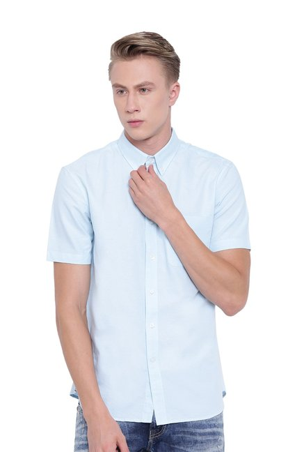 6092c1e9f5e8 Buy Cottonworld Aqua Blue Regular Fit Cotton Shirt for Men Online   Tata  CLiQ