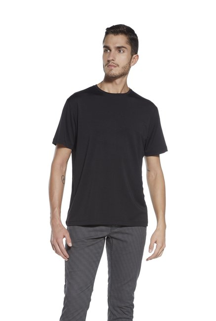 8274992f7 Buy Ascot by Westside Black Slim Fit Crew Neck T-Shirt for Men Online @  Tata CLiQ